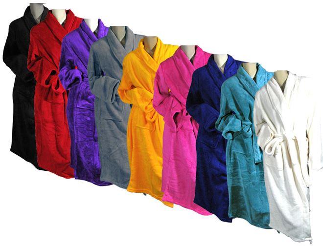 Bademantel in 9 verschiedenen Farben, je nur 14,99€