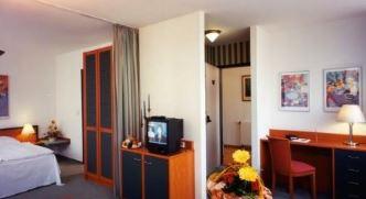 Hotelgutschein, 2 Personen, 3 Übernachtungen, 4* Hotel Hoppegarten bei Berlin, für 99€!
