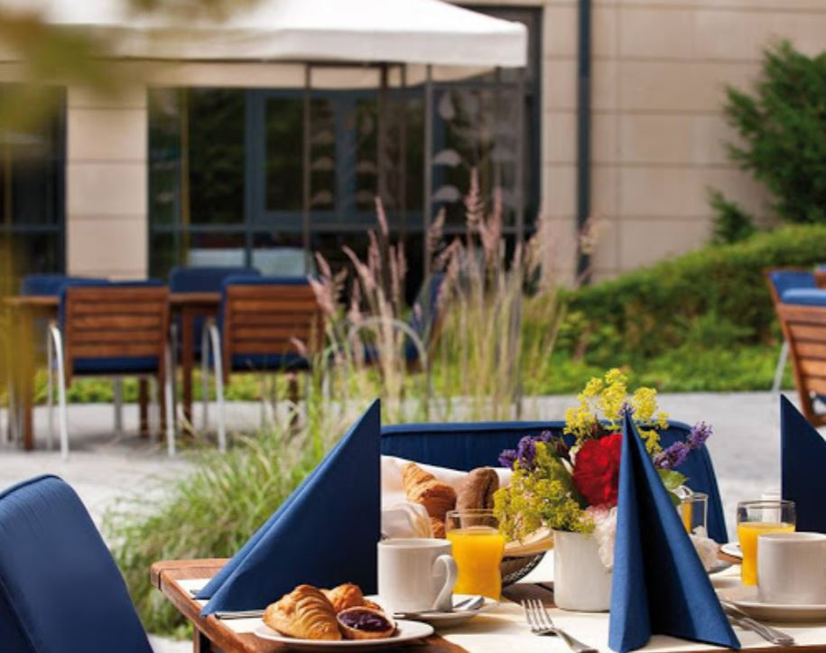 Hotelgutschein, 2 Personen, 2 Übernachtungen, 4* Juniorsuite im Victors Residenz Hotel in Berlin, für 129€   wieder da!