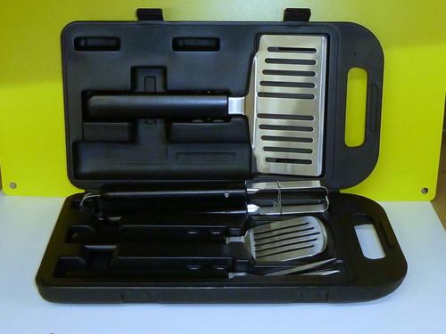 5 teiliges Designer Grill Besteck Set im Koffer für 4,99€ inkl. Lieferung