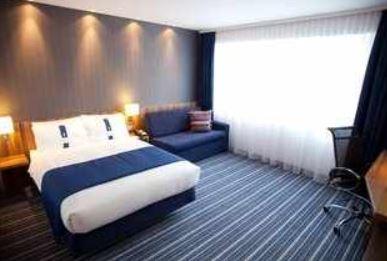 Hotelgutschein: 2 Personen, 2 Übernachtungen im 3*Holiday Inn Express in Dresden nur 99€