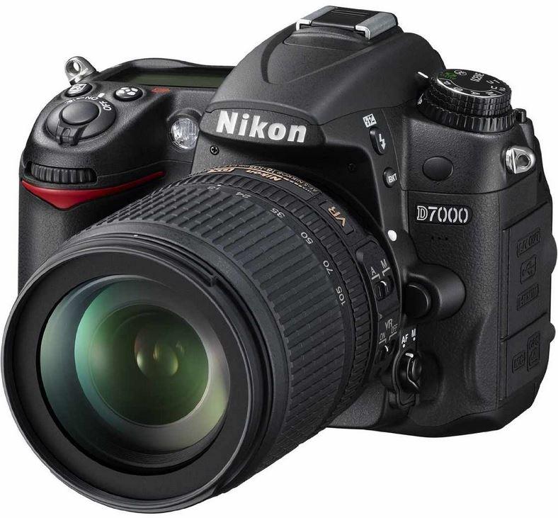 Nikon D7000 SLR mit AF S DX 18 105 VR Objektiv für 541,94€ in den WHD