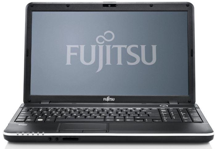 Fujitsu LIFEBOOK A512   15,6 Zoll Notebook mit 4GB Speicher, 500GB Festplatte für 379€