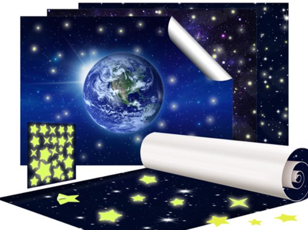 mantiburi Fototapete Universum   inklusive 50 Wandtattoo Leuchtsterne für 19,95€