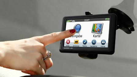 [ebay Wow] Navigationsystem: Garmin nüvi 12,7cm, inkl. Versand 129€