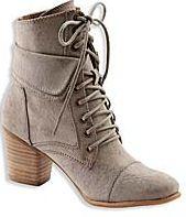 [C&A] 25% auf Schuhe + vom 05. – 11.12. C&A keine Versandkosten + 10% Gutschein