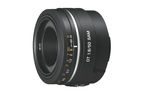 Sony SAL50F18 für 108,84€   Portrait Objektiv mit Smooth Autofocus Motor (1,8 / 50mm)